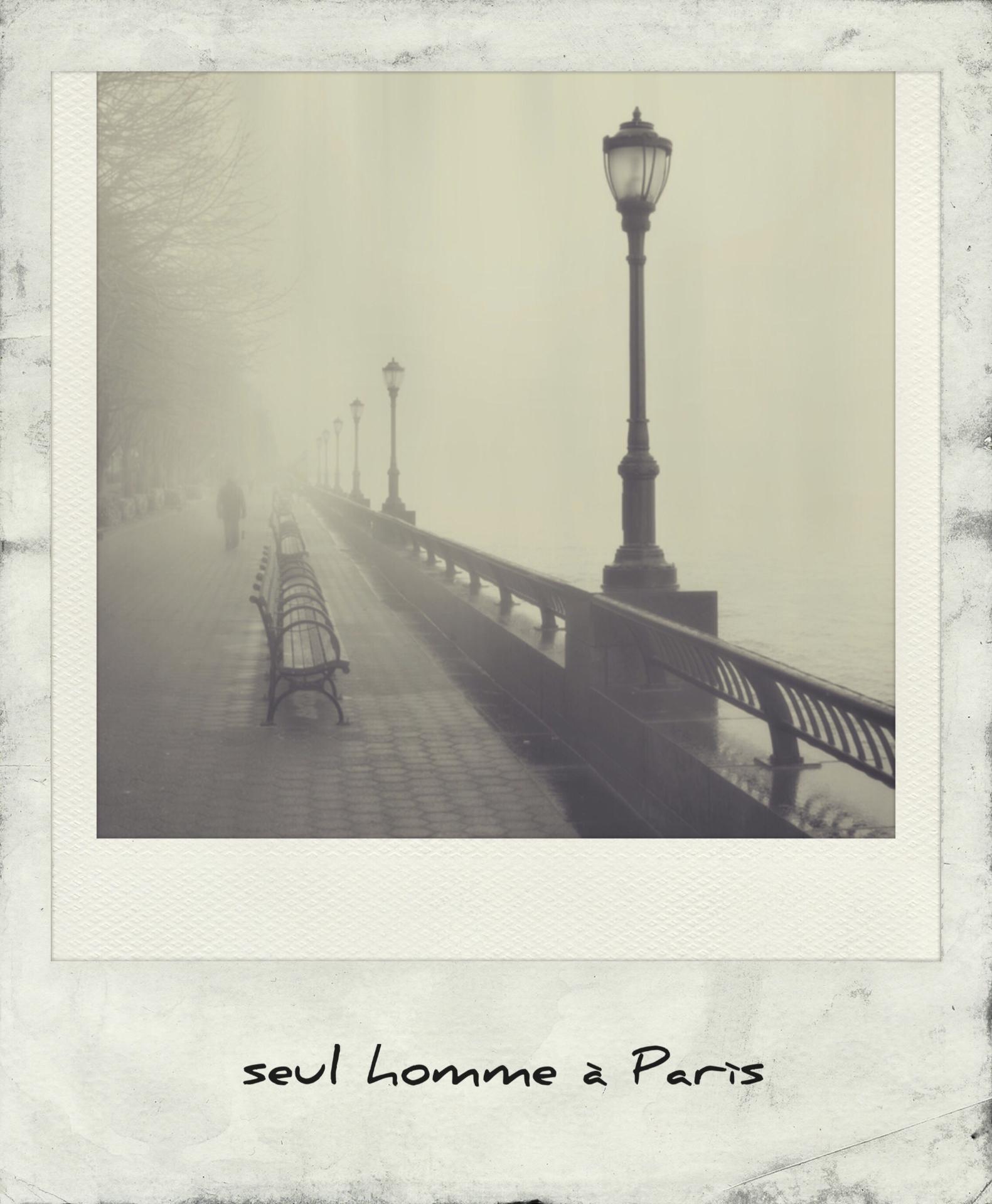 Seul homme a Paris